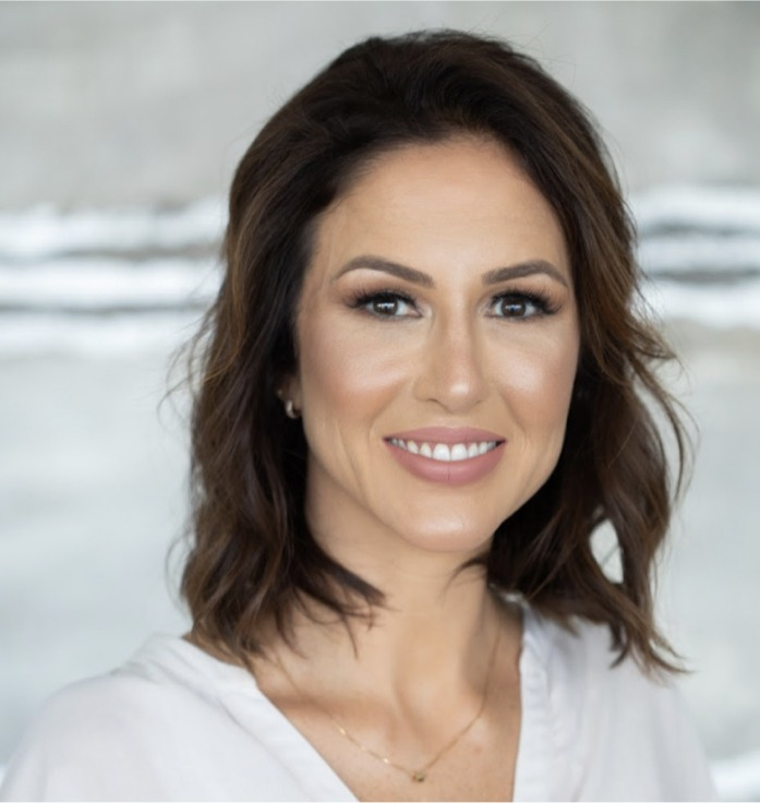 Dra Camila Caitano